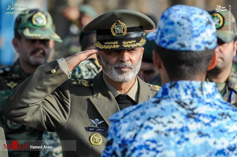 عکس/ احترام نظامی فرمانده کل ارتش به یک سرباز