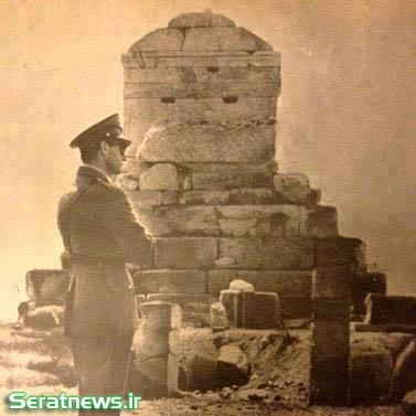 عکس رضا شاه در استانبول