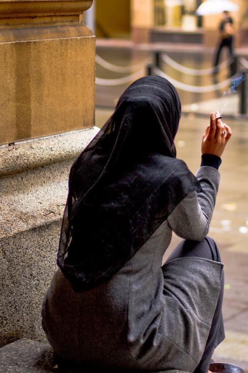 عکس هایی از سیگار کشیدن دختران ایرانی