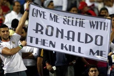 عکس/ علاقه عجیب یک هوادار به رونالدو