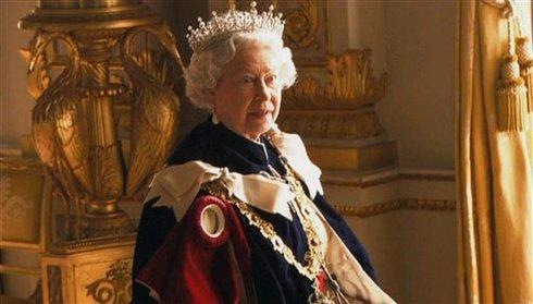 ممیزی شدید ملکه انگلیس در BBC +تصاویر