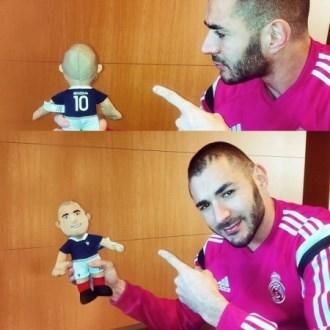 عکس/ بازیکن رئال با عروسک خودش!
