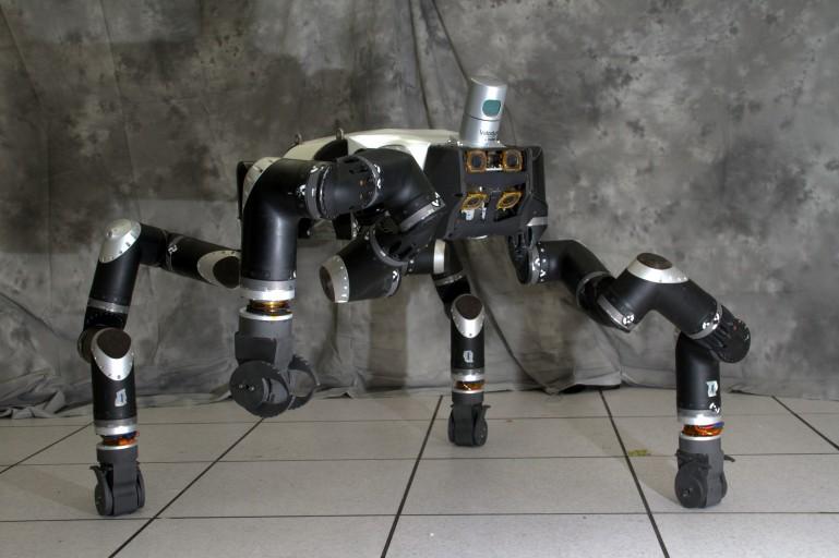 رباتی برای محیطهای خطرناک + تصاویر