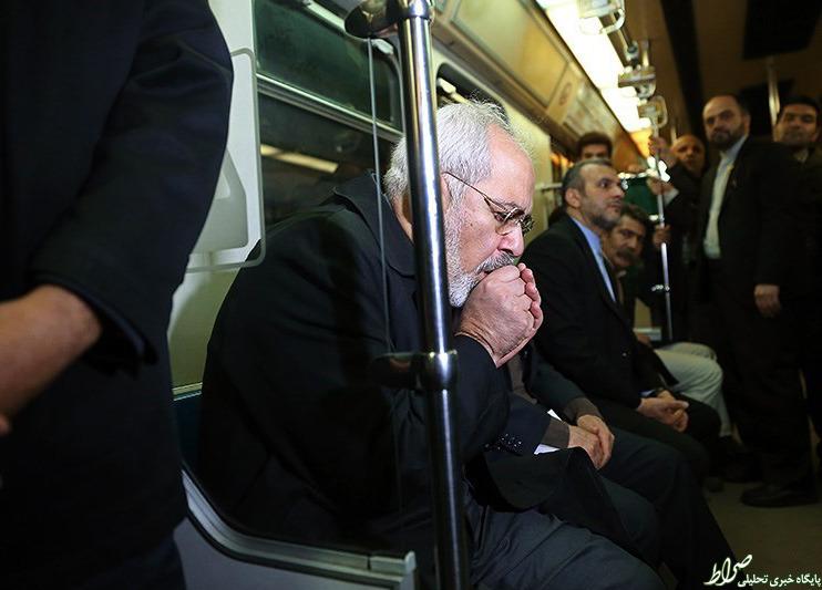 عکس/ مرد مذاکرات در مترو یخ کرد!