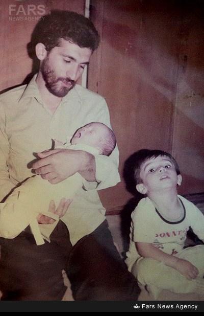 عکس/ مرتضی پاشایی در آغوش پدر