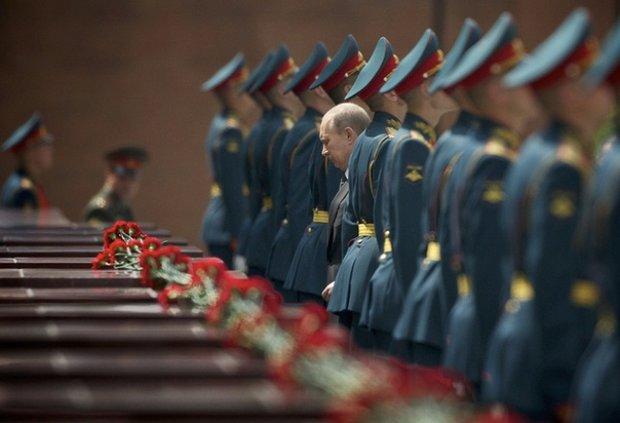 در دنیا سربازان گمنام را کجا دفن میکنند؟ +تصاویر