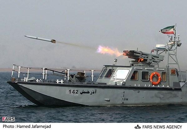 عکس/ شلیک راکت از شناورهای آذرخش