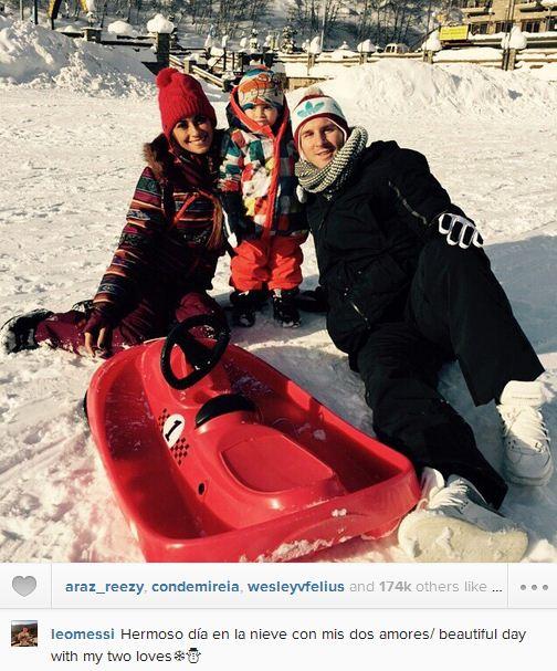 عکس/ برف بازی مسی با خانواده اش