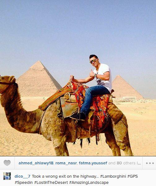 عکس/ هلمکه در حال شتر سواری