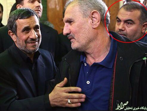 متهم فساد سه هزار میلیاردی در ختم مادر احمدینژاد چه میکرد؟ +عکس