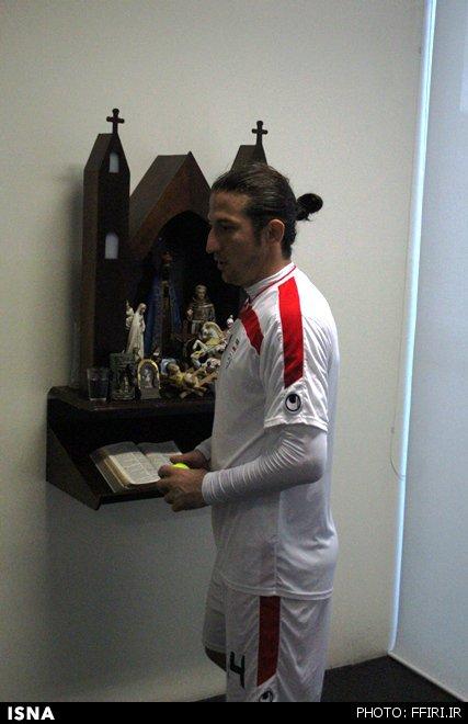 تصاویر/  عبادت آندو در کمپ تیم ملی