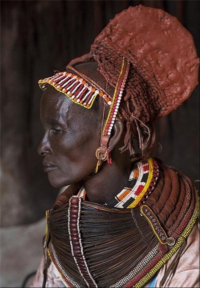 تصاویر/ جواهر و زیور آلات کنیاییها