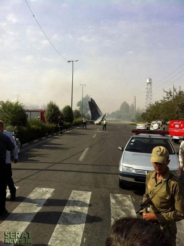 تصاویر/ سقوط هواپیمای مسافربری در تهران