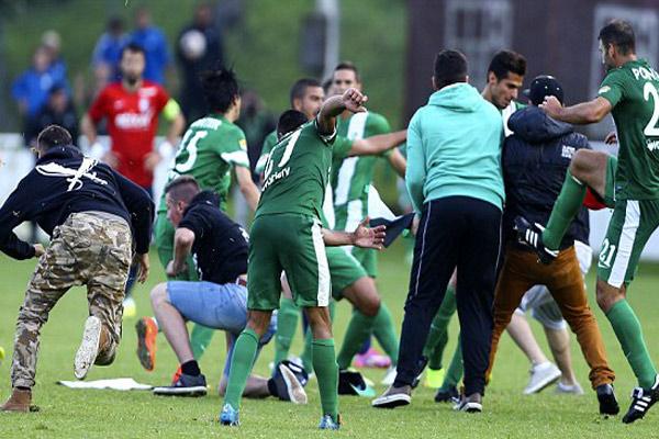 حمله به بازیکنان رژیم غاصب در یک بازی+تصاویر