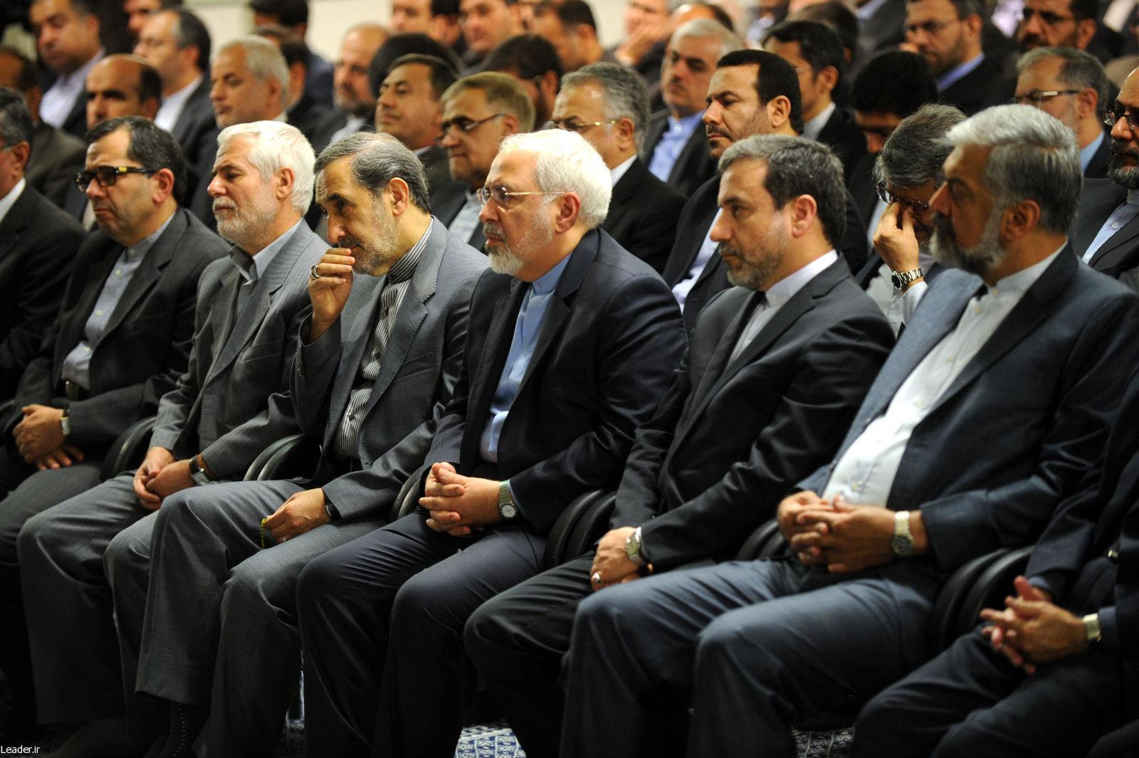 عکس/ تیم مذاکرات در دیدار با رهبر انقلاب