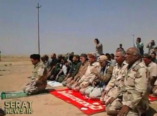 عکس/حاج قاسم در صف نماز رزمندگان عراقی
