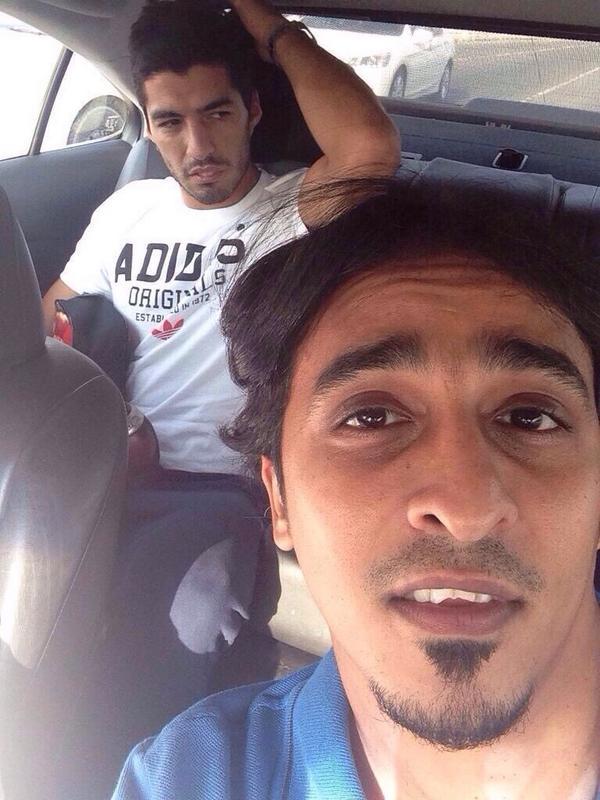 عکس/سلفی جالب راننده عرب با ستاره بارسا