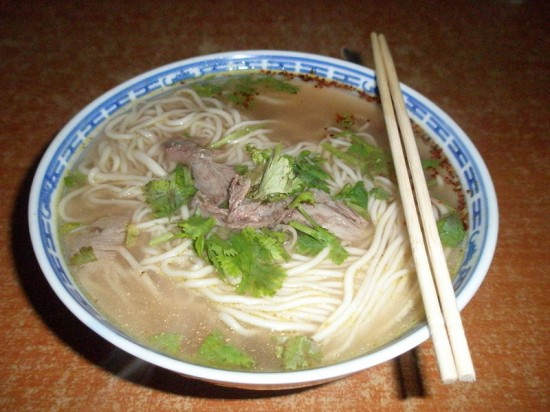 غذای آلوده به تریاک در رستوران برای جذب مشتری