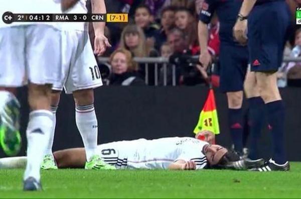 عکس/ غش کردن فوتبالیست مشهور
