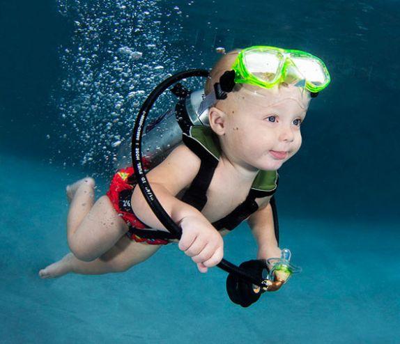 نوزادان در زیر آب
