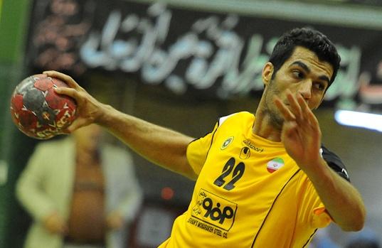 بازیکن ایرانی، تیمملی را فروخت! +عکس