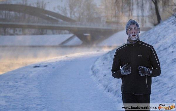 عکس/ مردی که در حال ورزش یخ زد!