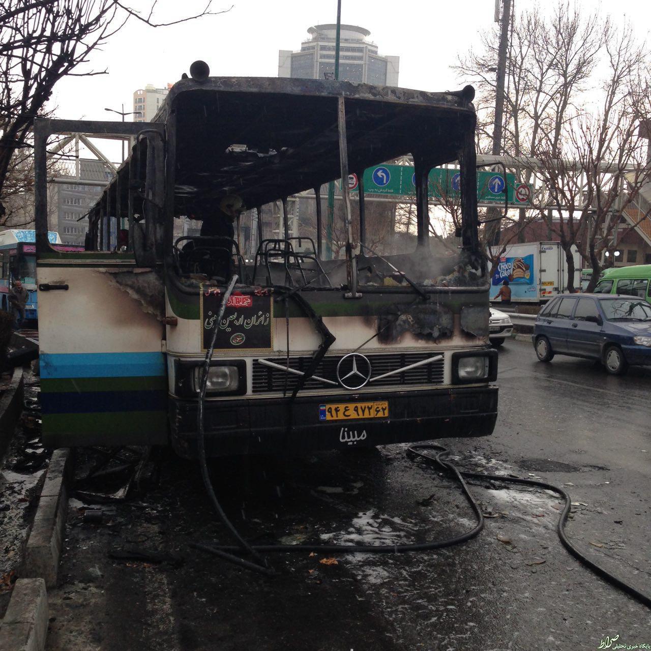 عکس/ اتوبوس سوخته در خیابان ولیعصر