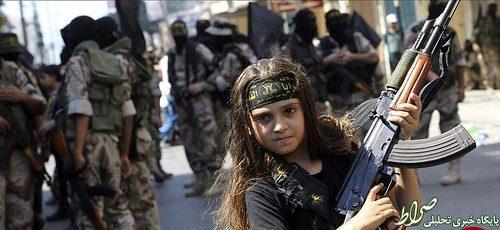 اعدام پنج زن به دست دختر بچه داعشی در عراق+ عکس