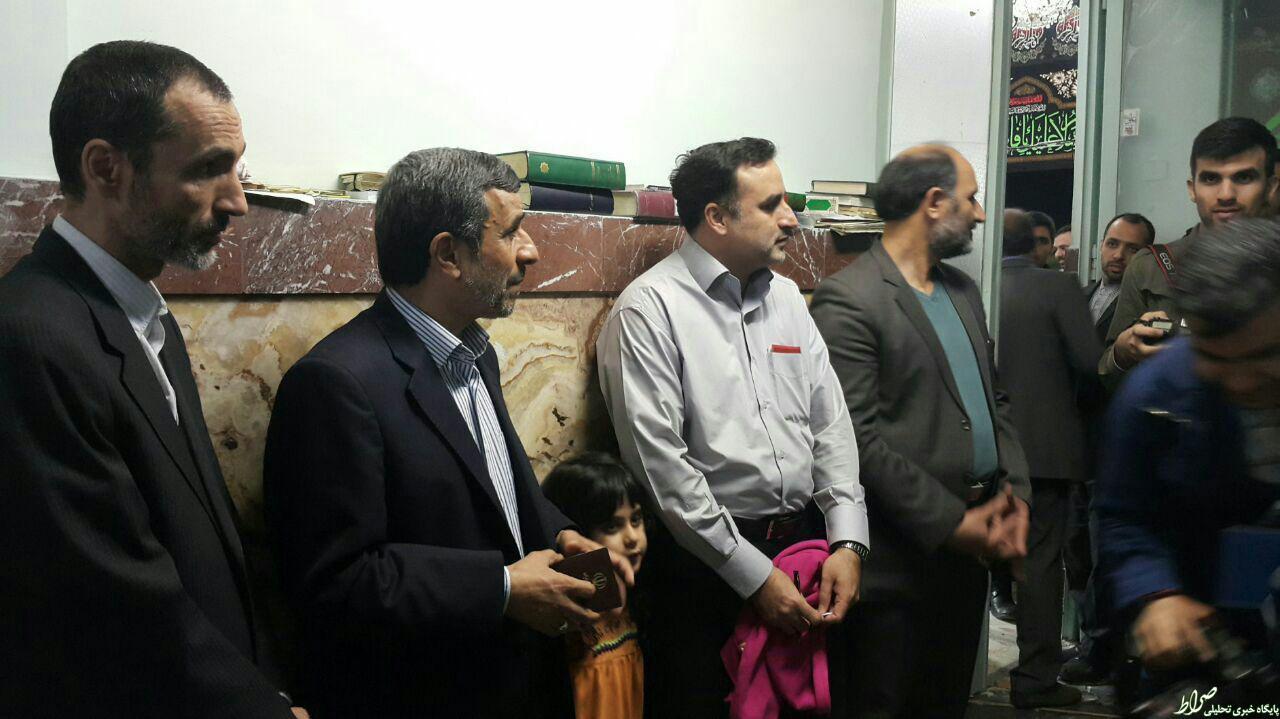 عکس/ احمدی نژاد و بقایی در صف رای