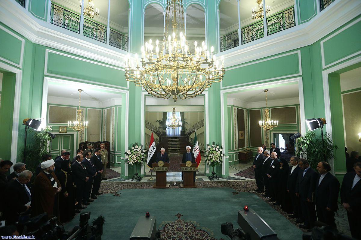 خبرنگاران نشست روحانی را تحریم کردند/ ایرانیها نامحرم بودند!