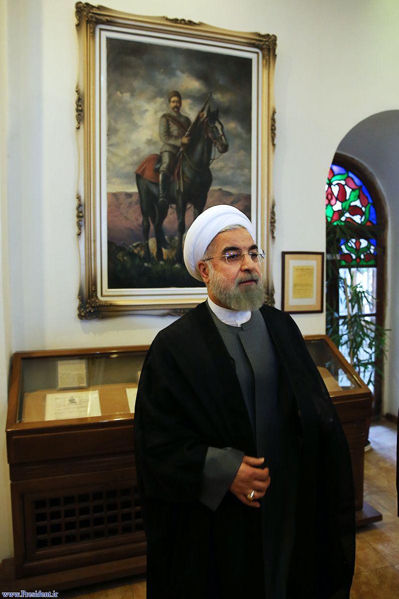 ژستهای جدید روحانی در موزه از راه رسید!/ دلیل اصرار