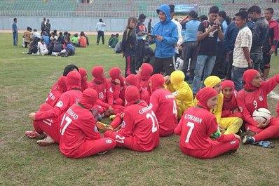 وضعیت دختران فوتبالیست در نپال +تصاویر
