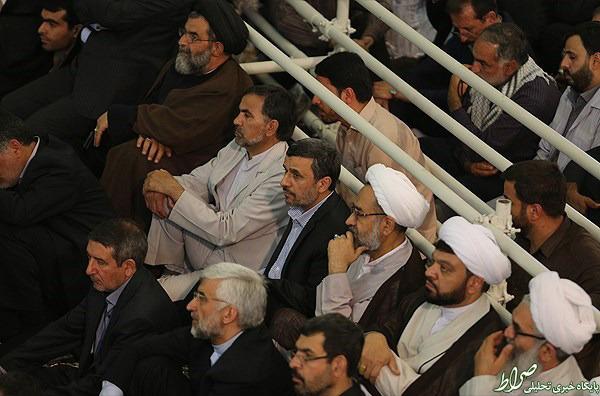 عکس/ احمدینژاد و جلیلی در حرم امام