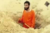 فیلم/ یک داعشی قبر خودش را قبل از اعدام کند