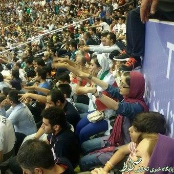 عکس/ حضور زنان در بازی ایران-آمریکا