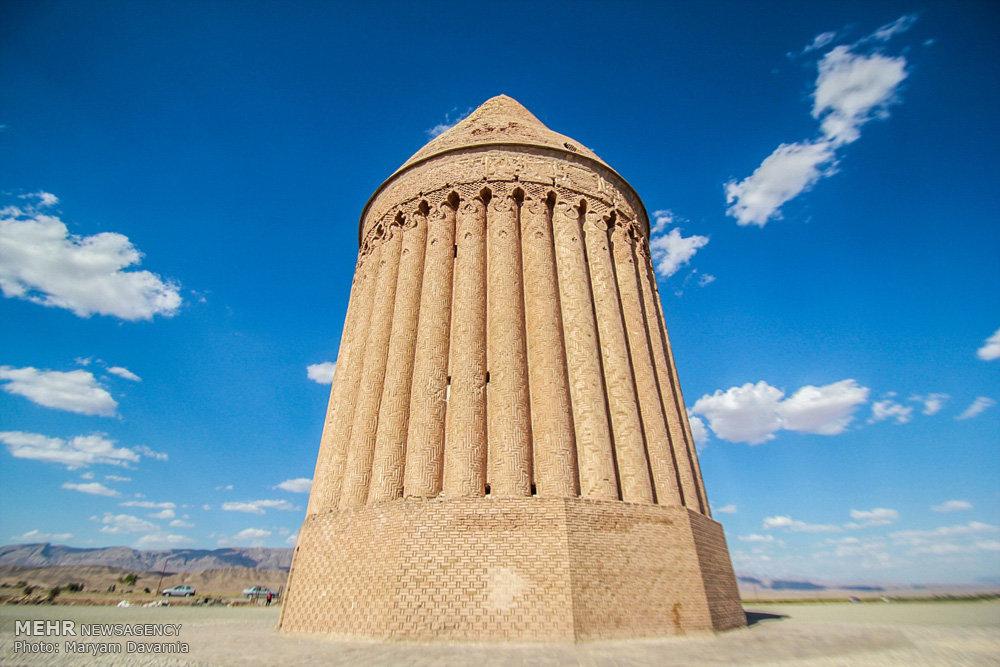 برج تاریخی رادکان
