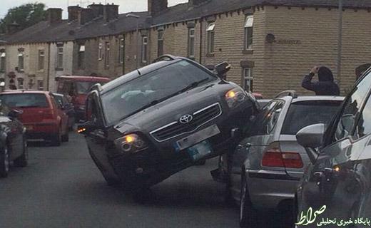 عکس/ پارک کردن عجیب یک ماشین!