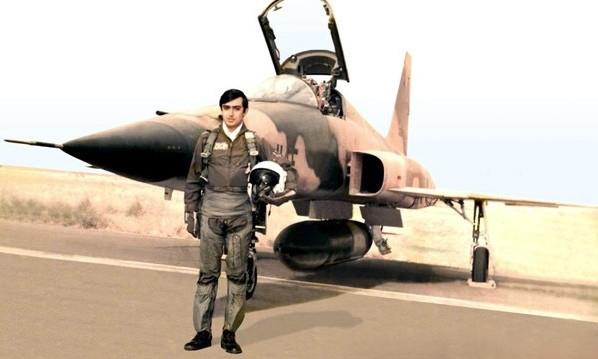 خلبانیکه صدام پیکرش رادونیم کرد!+عکس