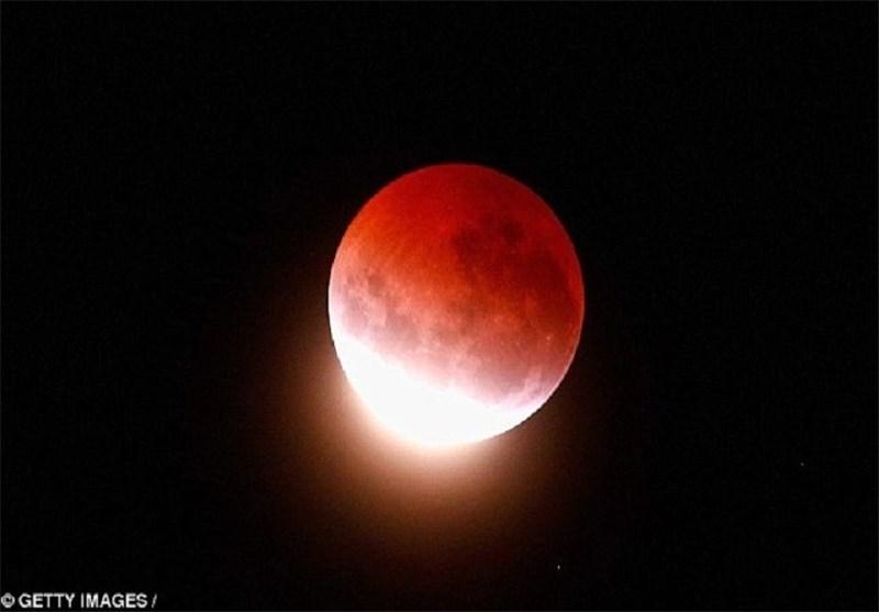 وقوع «ابر ماه گرفتگی» در ایران +عکس