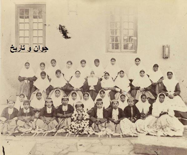 عکس/ تیپ دختران دانش آموز قاجاری