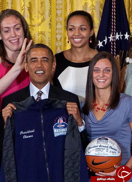 تصاویر/ شوخی دختران بسکتبالیست با اوباما