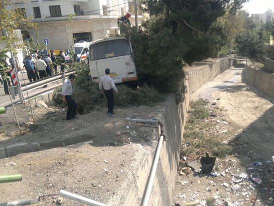 واژگونی خونبار اتوبوس در پایتخت +تصاویر