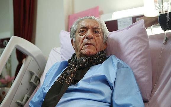 آقای بازیگر روی تخت بیمارستان+عکس