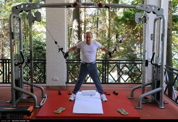 عکس/ پوتین در حال ورزش