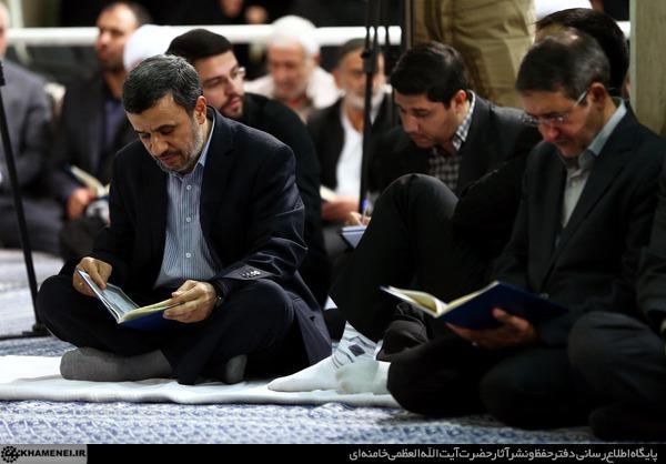 عکس/ احمدی نژاد در مراسم یادبود جانباختگان