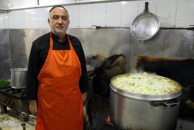 گفتگو با آشپز خیمه امام حسین+تصاویر