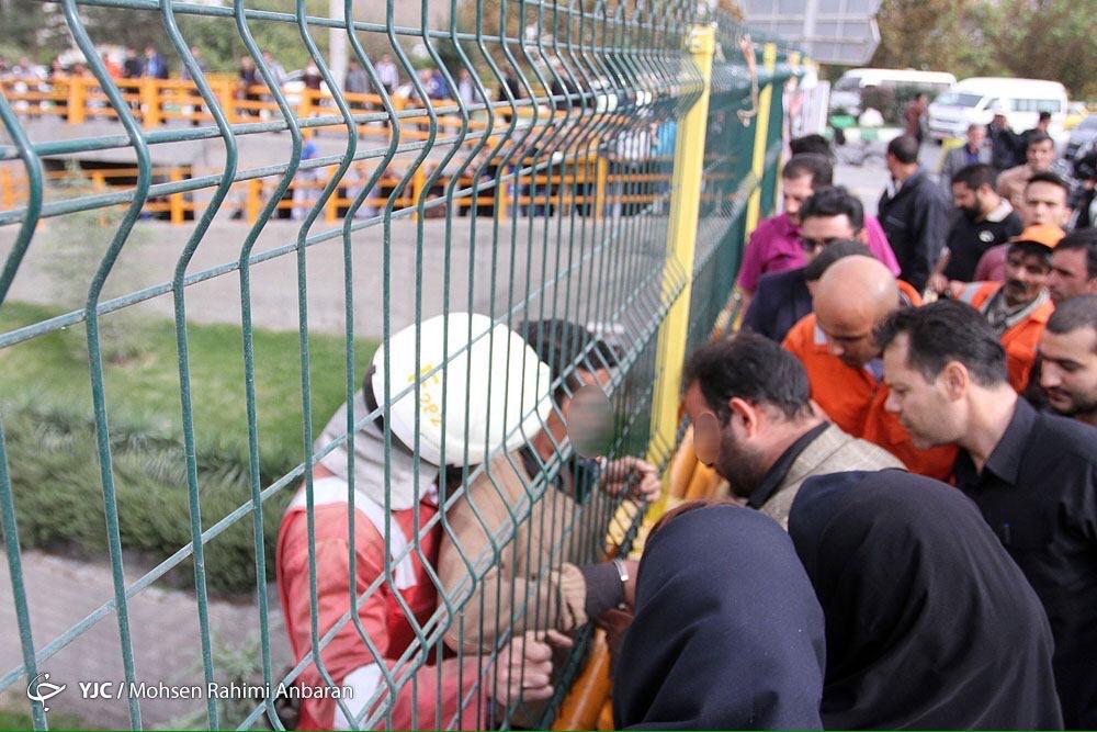 خودکشی نافرجام روی پل استقلال+تصاویر