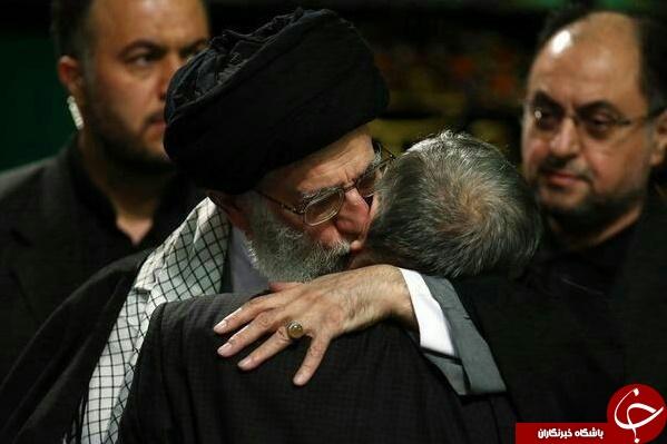 بوسه رهبری بر گلوی مداح محبوب+عکس