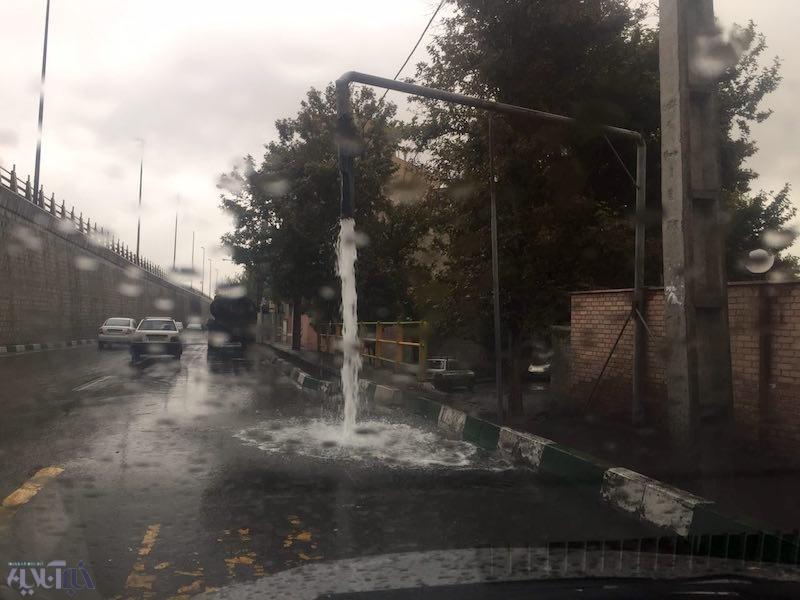شهرداری در روز بارانی هم آب هدر میدهد +عکس