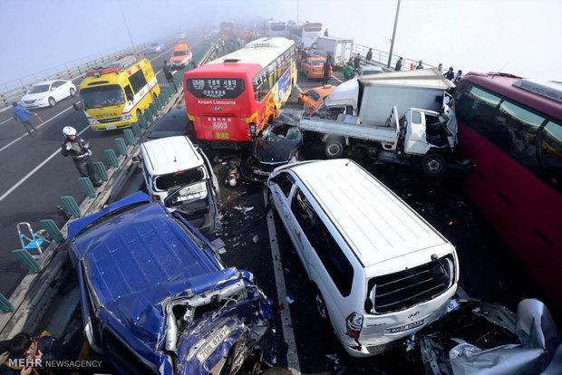 تصادف زنجیرهای ۱۶ خودرو در کرج+عکس